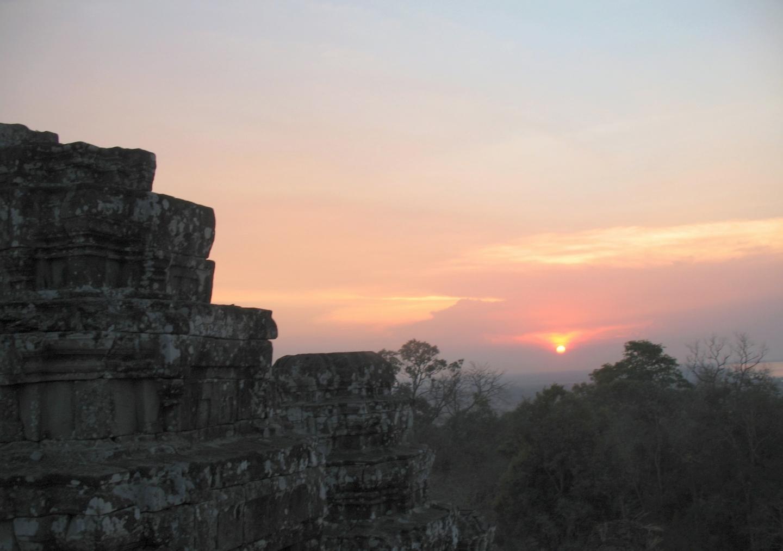 Phnom Bakheng at sunset
