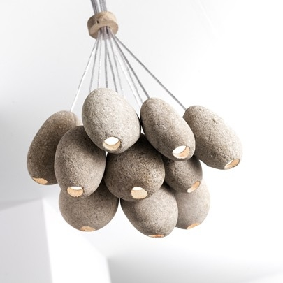 Pendant-lighting-fixture-from-pebbles