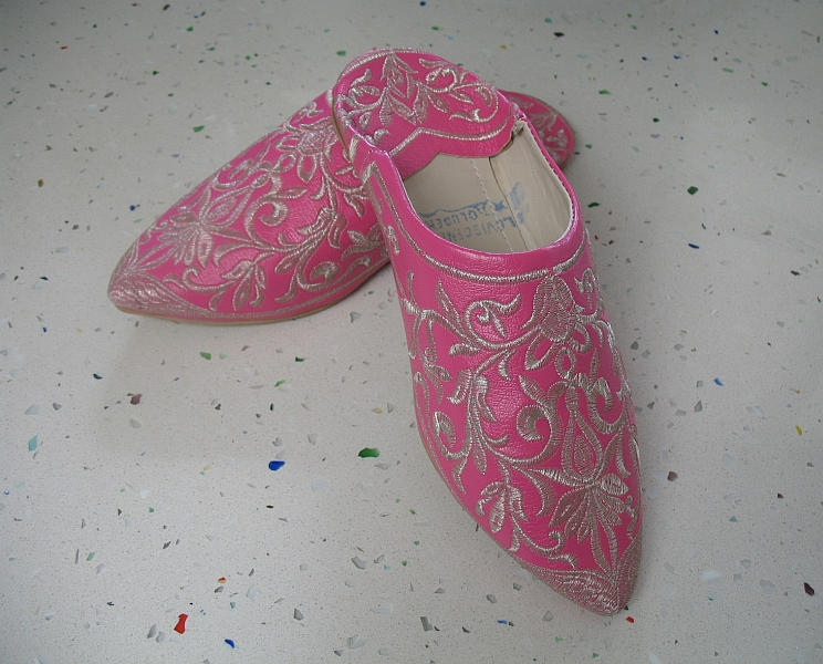 I decided to get a pair of leather babouches, the pointed toe traditional Moroccan slippers. Though cheap, some slippers were of plastic, and the workmanship marginal. After bargaining at several shops, I finally got a pair of leather ones at $8 US – more than the $6 that I offered, but less than the $20+ some vendors wanted.