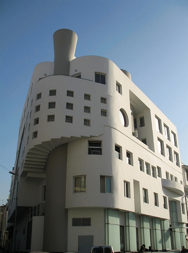 This Art Deco building could have been in South Beach!