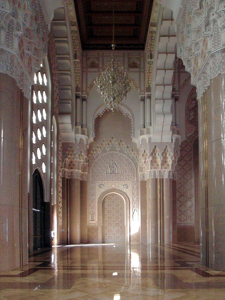 The Mosque displays strong Moorish influence with horseshoe arches used throughout the building. Walls and columns of the interior are delicately carved in a variety of intricate patterns reminiscent of the Alhambra and Great Mosque of Cordoba in Spain.