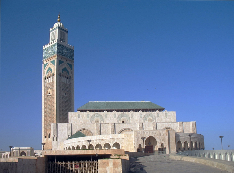 At 689 feet, the Mosque's minaret is the tallest in the world. At night, lasers shine a beam from its top towards Mecca.